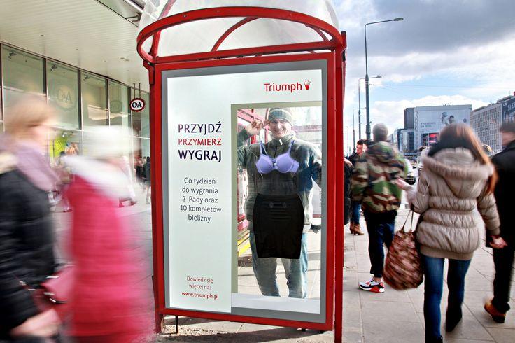 """Akcja Triumpha pod hasłem """"Przyjdź, przymierz, wygraj"""" na przystankach AMS. Marzec 2013. Dom mediowy: ZenithOptimedia"""