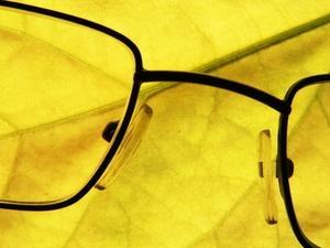 How to Shape Memory Titanium Eyeglass Frames - a 5-second fix!
