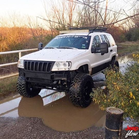 Jeep Flow Don't usually like grand Cherokees but this one is awesome