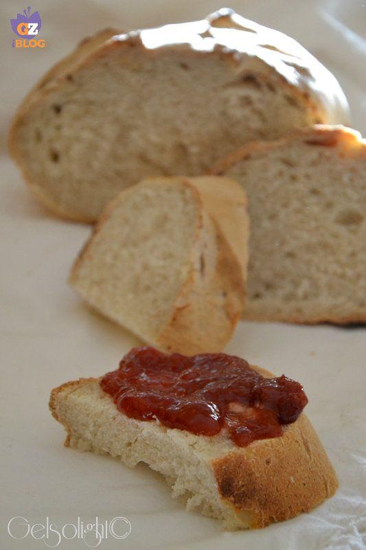 Cari lettori, ho provato una nuova ricetta ispirandomi ad alcune trovate in rete, ma modificandole a mia volta: la ricetta del Pane con e