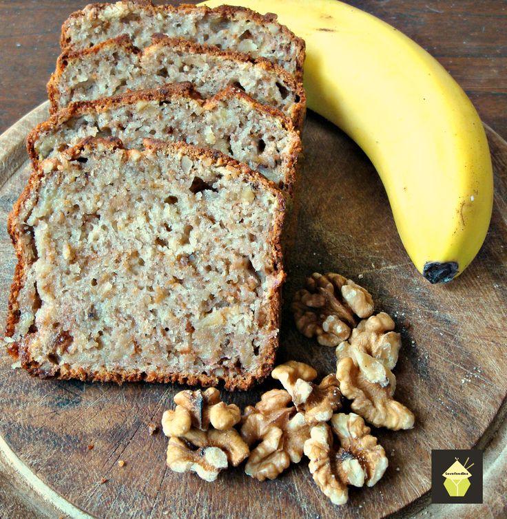Moist Banana & Walnut Loaf Cake. #banana #walnut #cake