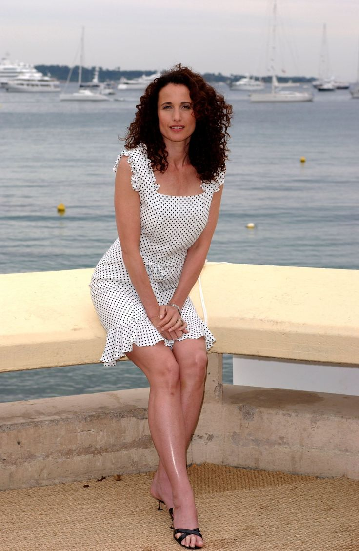 Andie Mc Dowell Sexy Pictures 9