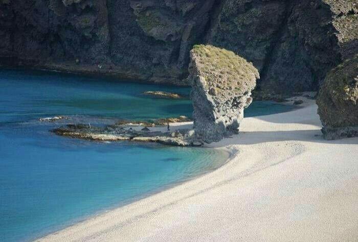 Andalucía, Almería, Carboneras: Playa de los Muertos.