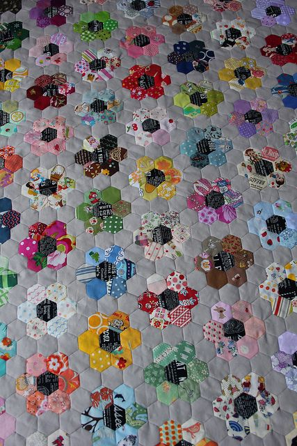 grandmothers flower garden!! I LOVE THIS QUILT PATTERN I have one that is growning as we speak oops pin