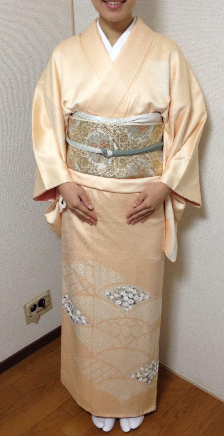 小菊模様の訪問着 お茶会用の着付けです。/Houmongi (semiformal Kimono ) for tea ceremony