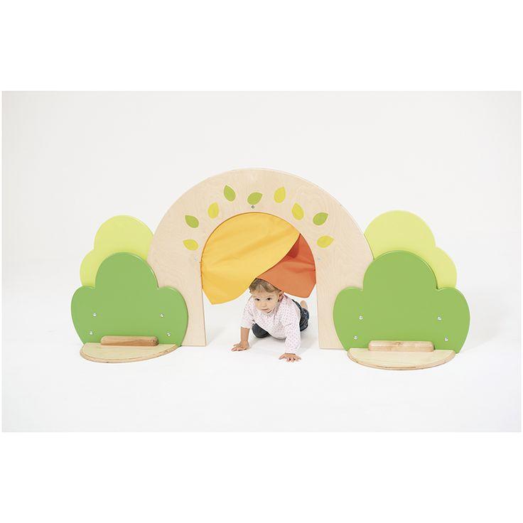 Cloison passage Clorofile / Nathan Permet à l'enfant par le coucou caché de symboliser un passage entre 2 espaces. Peut-être combinée avec des éléments Actimousse® des petits pour créer des parcours.