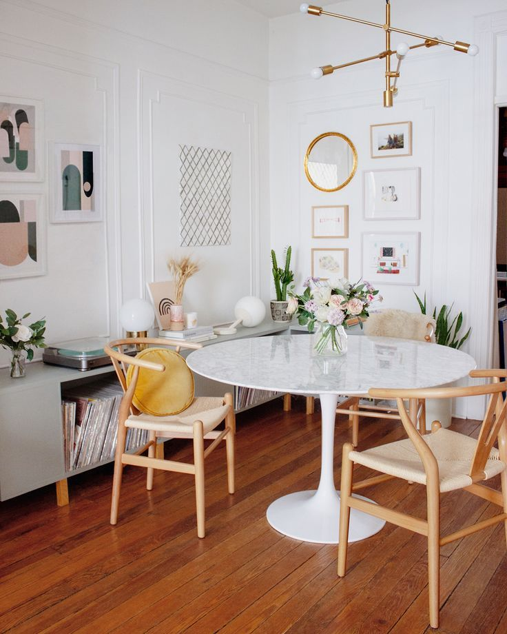 Saarinen Tulip Round Dining Table Dining Room Small Apartment