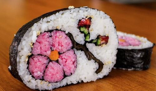 This sushi art is making me HUNGRY (16 photos) - sushi-art-1
