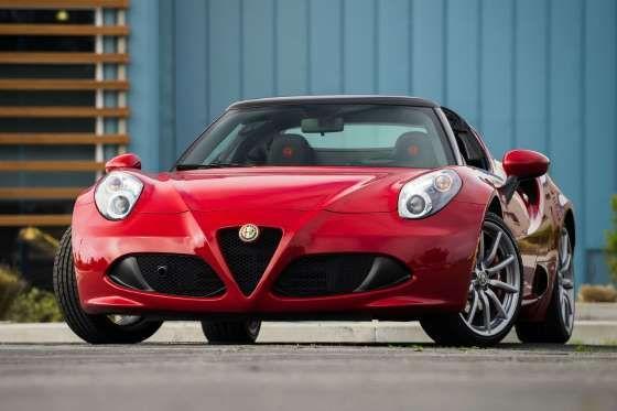 La elegancia y la sensualidad de sus formas son las notas dominantes en el frontal del Alfa Romeo 4C... - www.sportyou.es