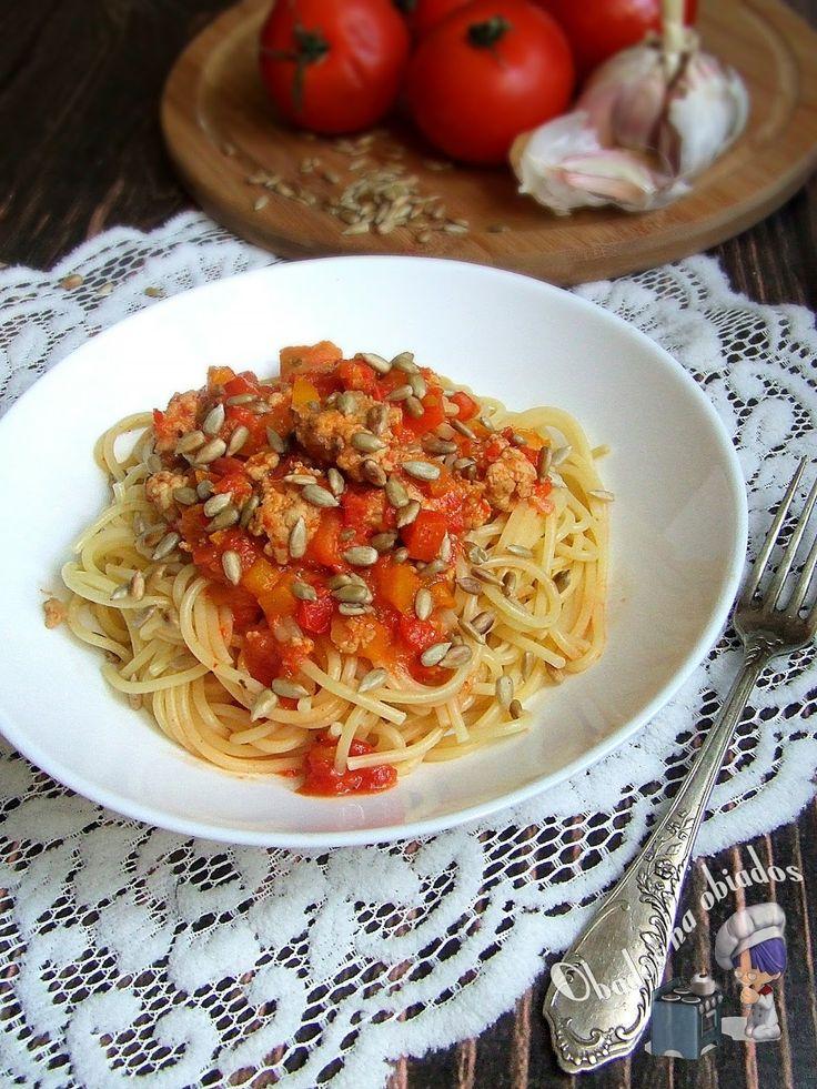 http://www.obados-na-obiados.com/2014/03/paprykowe-spaghetti-z-prazonym.html