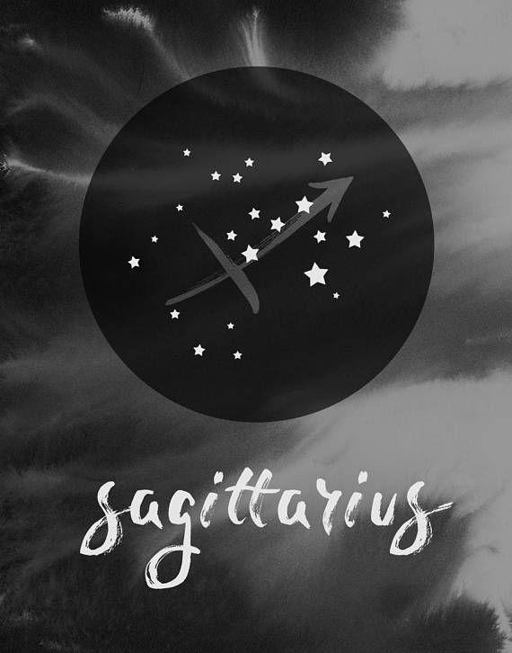 Schütze Sternzeichen, Astrologie Geschenk, Boho Sternzeichen Wandkunst Schütze Pinsel-beschriftete Elemente collagiert Digital mit einem Aquarell Wa…