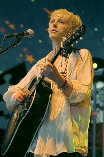 Laura Marling- I really like her hair there