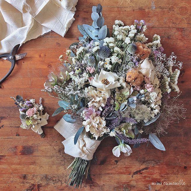 ❄︎*. dried flower bouquet & boutonniere. アンティークピンク×ホワイトラベンダーで上品に。 おそろいのブートニアもございます *** 【minne】 https://minne.com/items/11302013 *** オーダーメイドのお問い合わせは、DMもしくはアトリエHPまでお願いします . . . #ブーケ #ウェディングブーケ #ブライダルブーケ #クラッチブーケ #フラワーアレンジメント #ドライフラワーブーケ #ブートニア #ハンドメイド #オーダーメイド #インテリア雑貨 #結婚式準備 #ドライフラワー #ドライフラワーのある暮らし #プリザーブドフラワー #花のある暮らし #花のある生活 #プレ花嫁 #日本中のプレ花嫁さんと繋がりたい #全国のプレ花嫁さんと繋がりたい #ウェディングドレス #結婚式 #ガーデンウェディング #ラスティックウェディング #スワッグ #bouquet #minne #2018春婚 #2017秋婚 #2017冬婚 #atelier_mimi_camomille