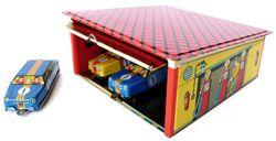 Tin Garage, garage rétro en métal avec petites voitures / Bianca and Family 18e