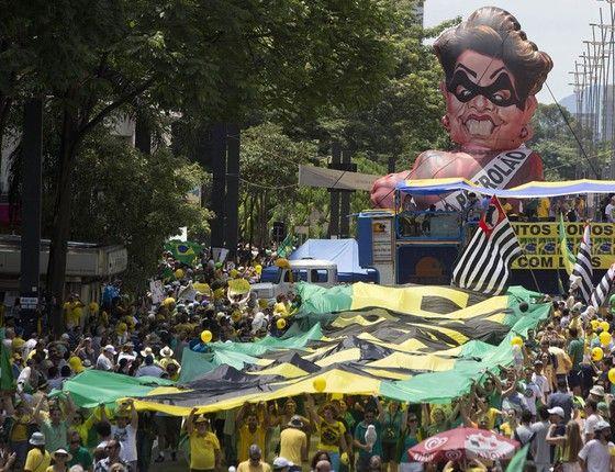 Manifestação pró-impeachment em São Paulo (Foto: Andre Penner/AP)