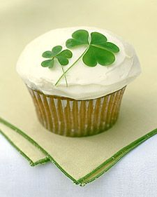 lucky: Four Leaf Clovers, Holidays Cupcakes, Ideas, Cupcakes Decor, Saint Patrick'S Day, St. Patrick'S Day, Cupcakes Recipes, Martha Stewart, Stpatrick