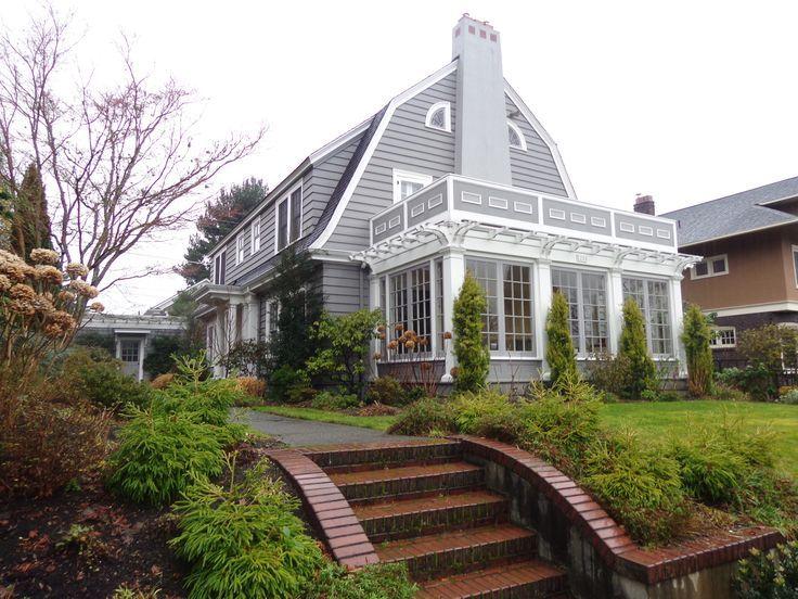 Exterior Colonial House Design