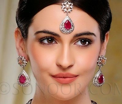 Mang tika designs for Indian brides 2
