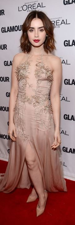 Who made Lily Collins' jewelry, nude pumps, and beaded gown that she wore in New York on November 11, 2013?