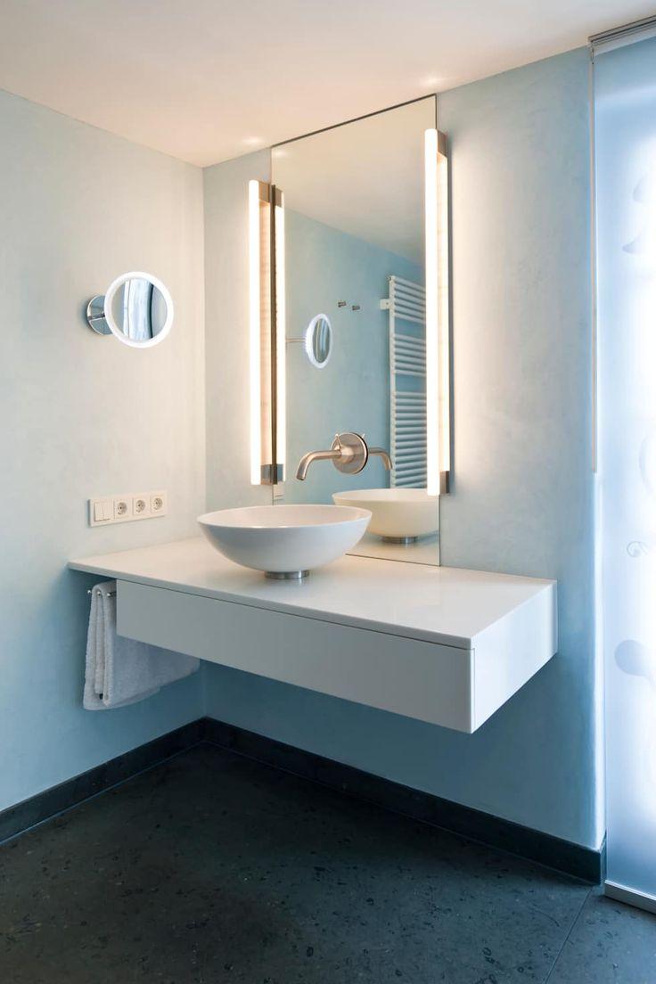 Bad mit hellblauem kalkputz moderne badezimmer von raum 4 die meisterdesigner