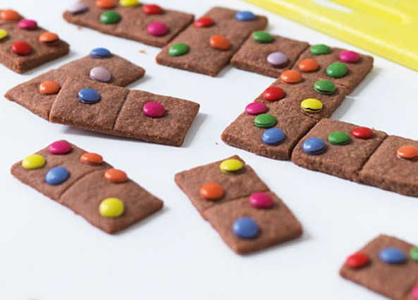 Edible dominoes: Kids will love making these. Not only are they delicious but you get to play dominoes with them as you eat!
