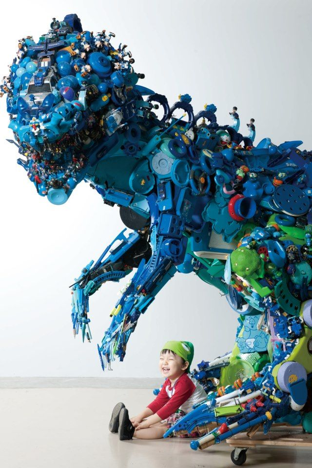 Hiroshi Fuji's installation from 50,000 recycled toys, Japan