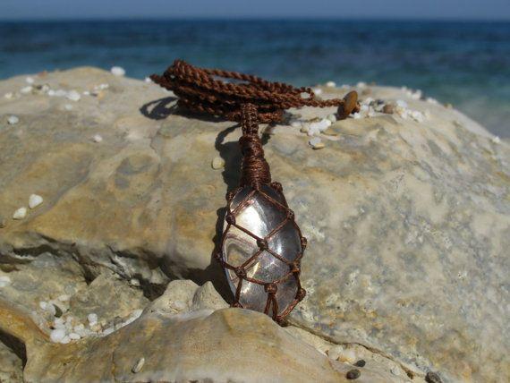 Mountain crystal macrame healing stone pendant by MacramEva