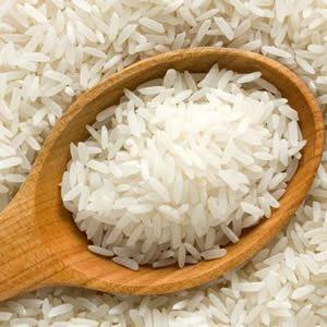 Pek çoğumuzun haftada en az birkaç kere tükettiği pirincin suyunun da cildi güzelleştiren doğal bir bakım ürünü olduğunu biliyor muydunuz? Pirincin sağlığımızın yanı sıra cildimize de olumlu katkıları olduğu ilk keşfedenler Uzakdoğu ülkeleridir. Beyaz tenleriyle meşhur olan Asyalı kadınlarının güzelliğinde pirinç suyunun ve pirinç maskesinin payı çok büyüktür. Bu kategorideki diğer yazılar:Balkabağının Cilde Faydaları ve…