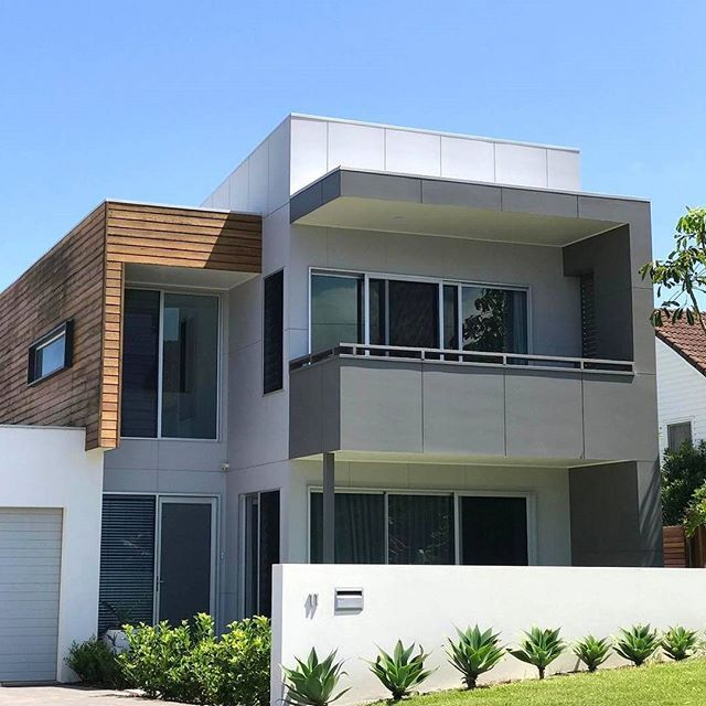 The Sharp Lines Of This Sleek Contemporary Home Perfectly Offsets Clear  Blue Skies ✓ We