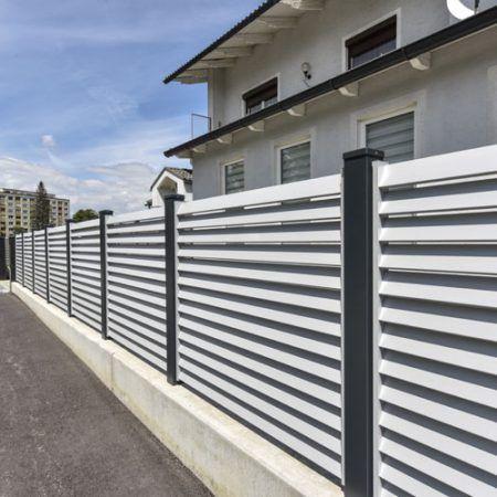die besten 25 alu zaun ideen auf pinterest gartenzaun alu veranda spalten und schwarzer zaun. Black Bedroom Furniture Sets. Home Design Ideas