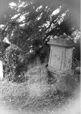 Scary Pictures Real Ghost | ghost at a grave stone - Figures and faces - Gallery - Ghost Mysteries ...