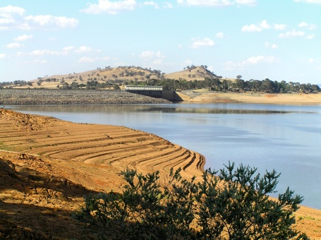 A Great Photo of the Hume Weir posted at Kedron308.wordpress.com  My Hometown