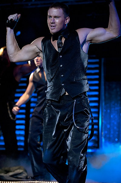Omg! I am so in love can't wait until I can download this movie so I can watch him dance again & again! Lol