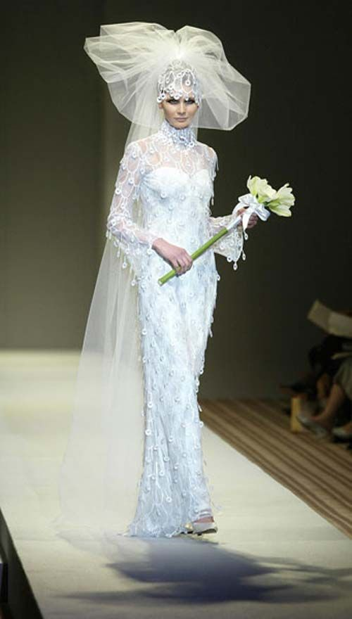 Images Of The UGLIEST Wedding Gowns Ever