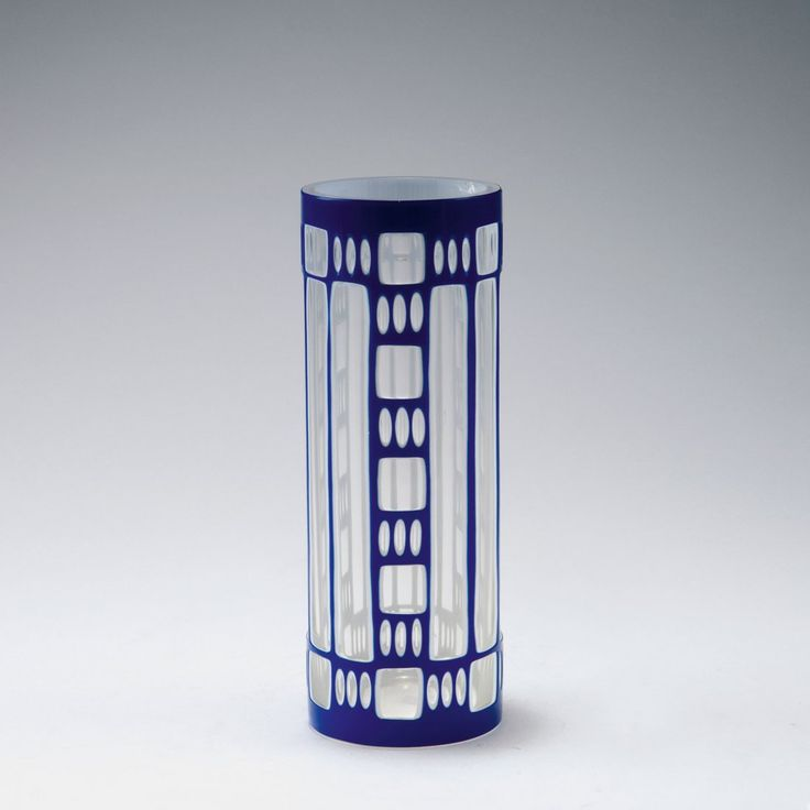 Lot: Vase, 1910-16, Lot Number: 0510, Starting Bid: €400, Auctioneer: Quittenbaum Kunstauktionen GmbH, Auction: Art Nouveau And Art Deco, Date: November 18th, 2015 CET