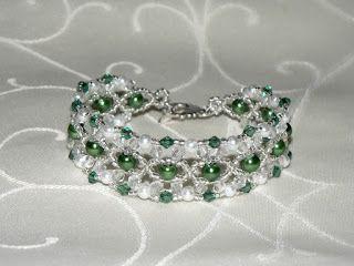 Zöld-fehér karkötő (kristály karkötő)