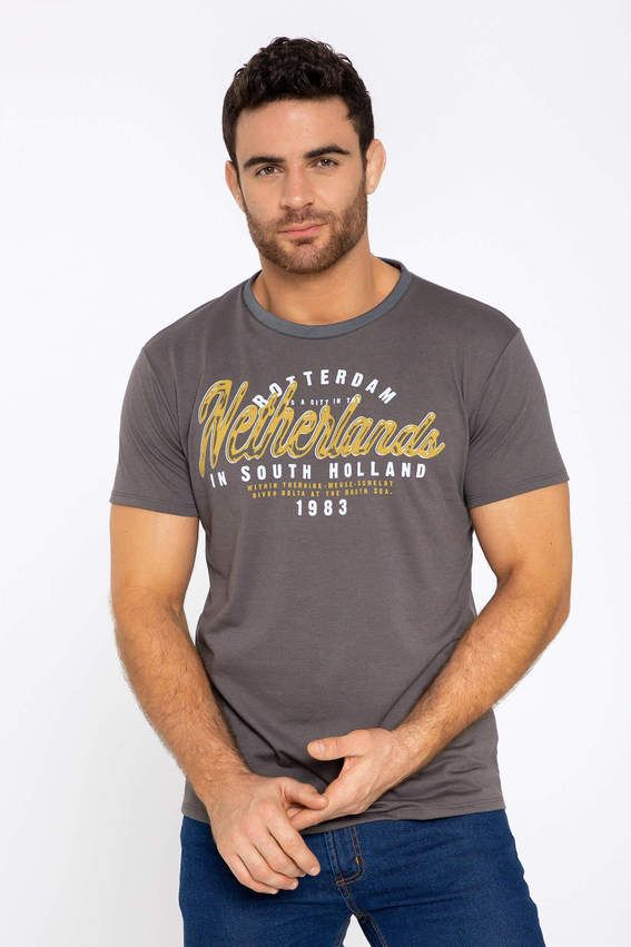 c5945647b40 Camiseta Manga Corta Cuello Redondo Gris   solo camisetas hombres en ...