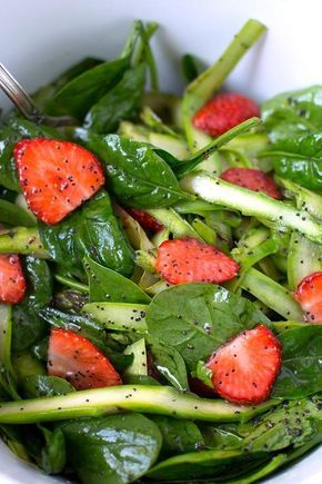 Asparagus and strawberry salad with feta