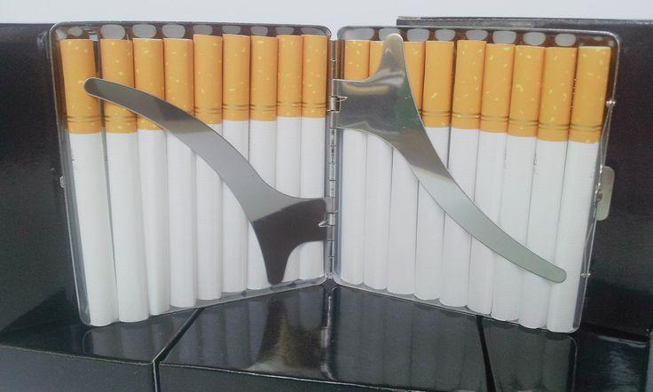 Tabachere metalice, cromate cu lamele, diverse modele. Capacitate: 18 - 20 tigari
