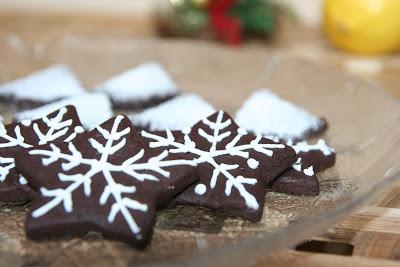 http://miremirc.blogspot.ro/2012/12/biscuiti-cu-cacao.html