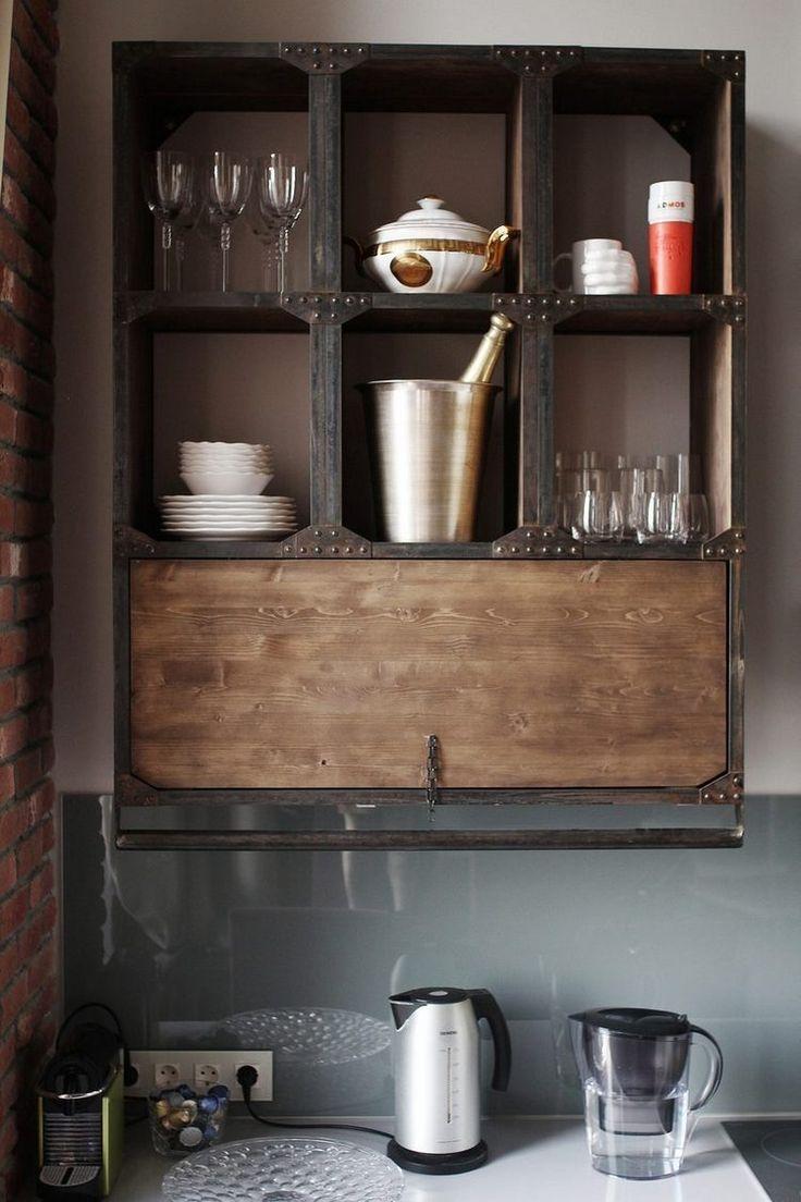 55m2-es loftban kialakított konyha étkezővel - magasfényű, tégla és nyers fa felületek együtt