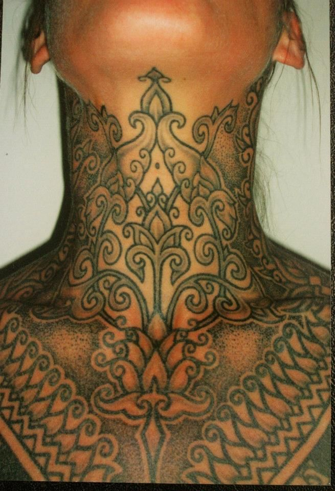 Mehndi style tattoo: have to wonder how this would age (as a tattoo, not in terms of skin aging)