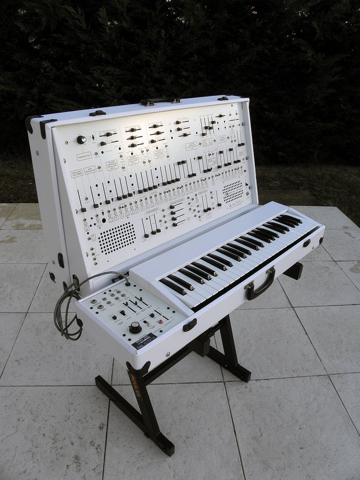 """Just a gorgeous Arp 2600 in white. Does it come in pink too? """"Houston, we're ready for takeoff."""""""