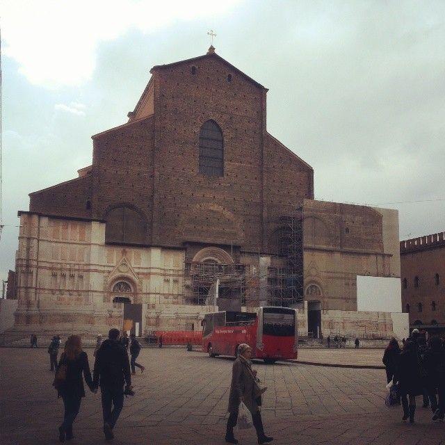 St. Petronio's Basilica in Piazza Maggiore - 1390 -> 1663