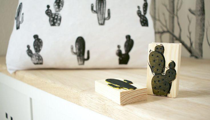 DIY: Dani von Gingered Things zeigt dir wie du aus Moosgummi Stempel machen und damit dein eigenes Textilmuster gestalten kannst. Hier lang.