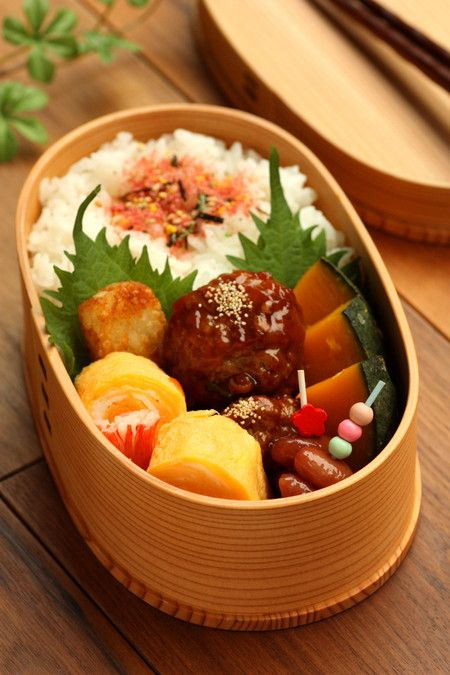 sweet-and-sour meatball bento (肉団子の甘酢あんかけ弁当)