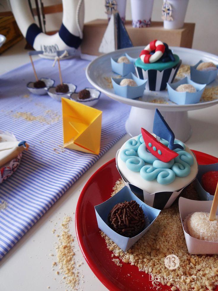 Cupcakes tema Náutico Cupcakes Navy Decoração: BellaIdeasp