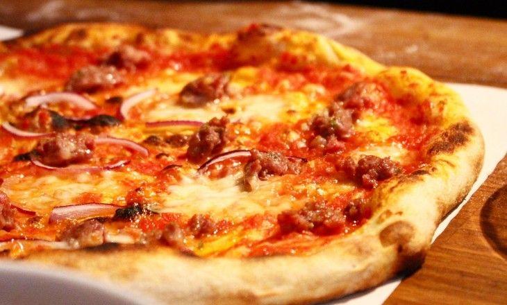 Vi var på en Mutti workshop för att lära oss att baka egen pizza som smakar som riktig pizza. Här är alla tips & tricks för att lyckas! Här finns recept