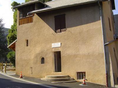 La maison ou a vecu benoite rencurel a partir de 1673 notre dame du laus guide touristique des hautes alpes paca
