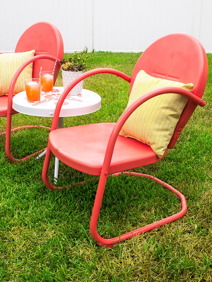 Retro metal patio chair and table makeover metal patio for Retro outdoor furniture